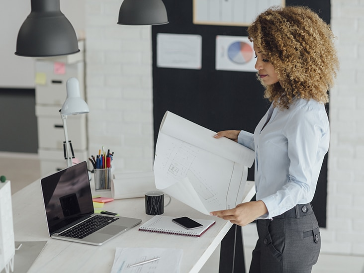 3 Benefits Of Using A Standing Desk